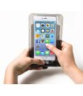 """Univerzálne vodeodolné puzdro CELLY pre telefóny do 5,7""""s 3,5 mm konektorom, čierne"""