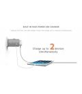 Xtorm One World Adapter 100-240V/3A + USB 5V/2.4A